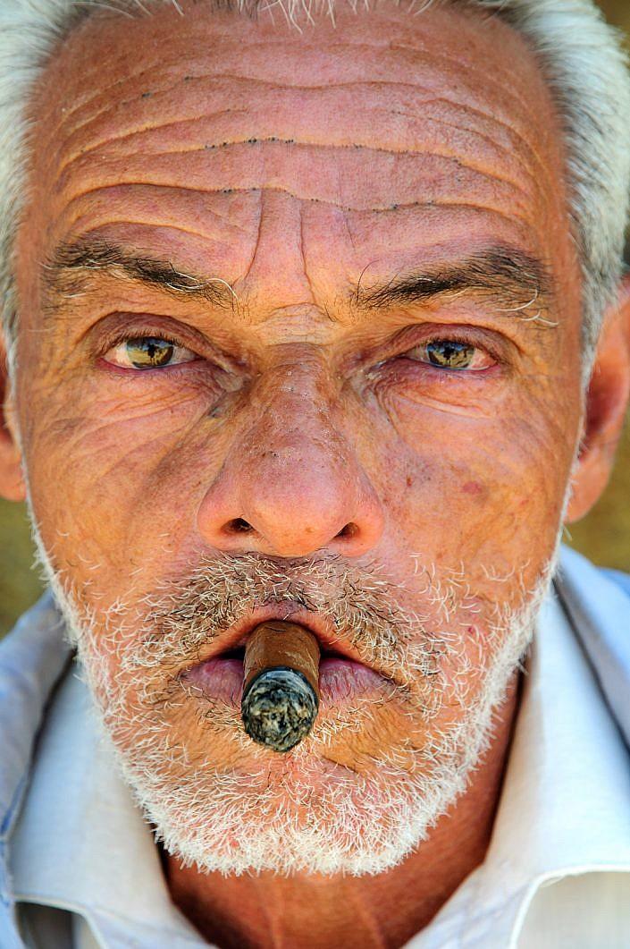 Cohiba cigar Cuba | Roelof Foppen Photography