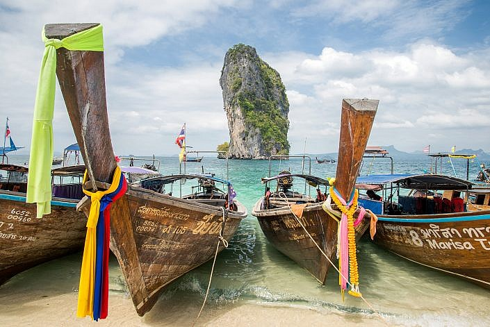 Longtail boats Thailand | Roelof Foppen Photography